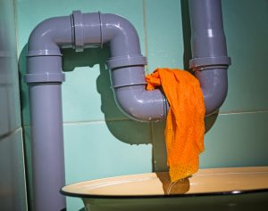 Few Causes and Symptoms of Water Line Leakages
